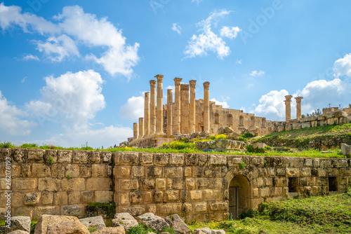 Photo Temple of Zeus in jerash, amman, jordan