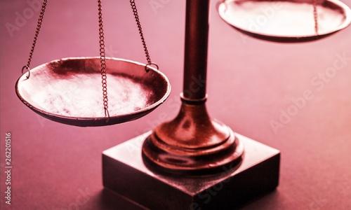 Obraz na płótnie Law scales justics scale weighing old lawyer litigation