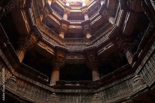 Fotografia  Dada Harir Vav stepwell is a Hindu water building in Asarwa Ahmedabad in the Indian state of Gujarat