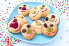 Lustige Gesichter-Kekse