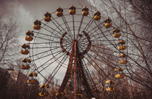 Old Ferris Wheel In The Ghost ...