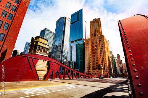Fotografie, Tablou Bridge over Chicago river in city downtown
