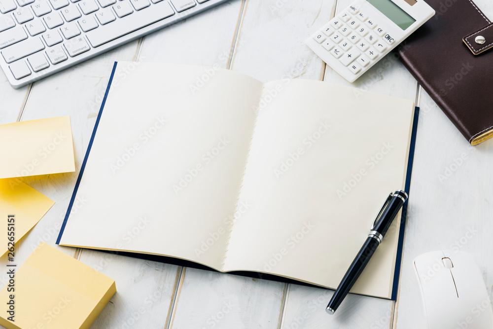 Fototapeta 白紙ノート ビジネスイメージ White note. Business desk concept.