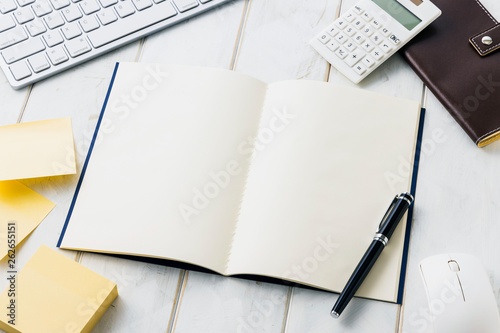 Obraz na płótnie 白紙ノート ビジネスイメージ White note. Business desk concept.