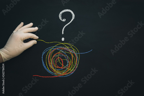 Fotografija  A tangled tangle painted under the flag of Venezuela drawn on a chalk board