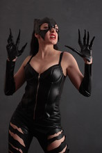 Attractive Woman In Leather La...