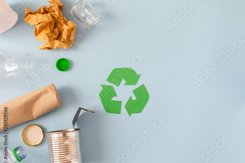 Foto  Environmental conservation concept - rubbish prepared for recycling, cardboard,