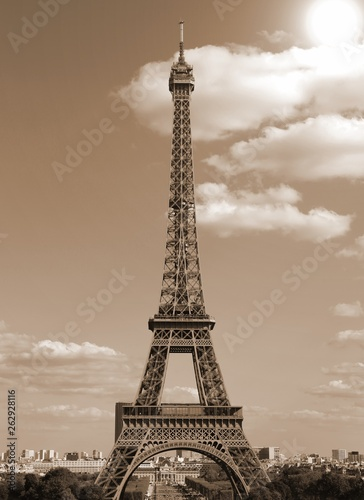 Poster Tour Eiffel Eiffel Tower in Paris France with old toned sepia effect