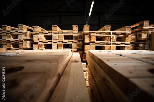 Drewniane palety- magazyn Fototapeta