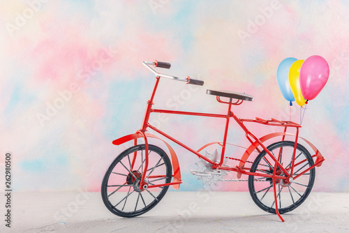 Recess Fitting Bicycle Bicycle with balloons