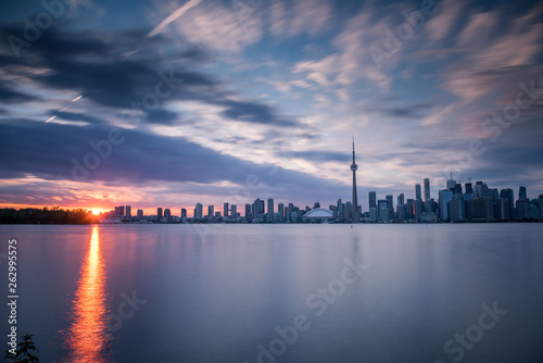Stampa su Tela  Toronto city skyline at night, Ontario, Canada