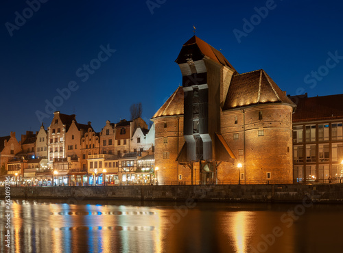 Fototapety, obrazy: Old town in Gdansk, Poland at night. Riverside with the famous Crane and city reflections in the Motlava river.