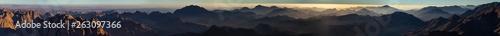 La pose en embrasure Noir Egypt. Mount Sinai in the morning at sunrise. (Mount Horeb, Gabal Musa, Moses Mount). Pilgrimage place and famous touristic destination.