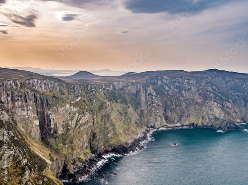 Deurstickers Dam Aerial view of the cliffs of horn head at the wild atlantic way in Donegal - Ireland
