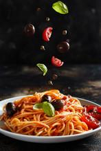 Spaghetti With Tomato Sauce Ol...
