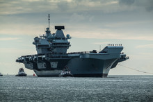 HMS Queen Elizabeth Returning ...