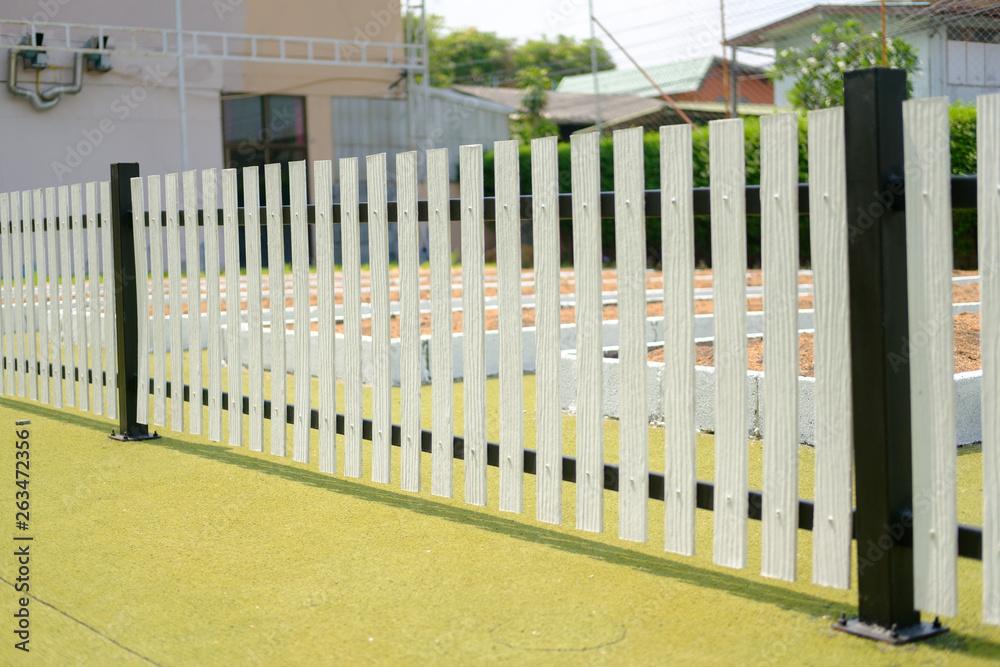 White wooden fence - obrazy, fototapety, plakaty