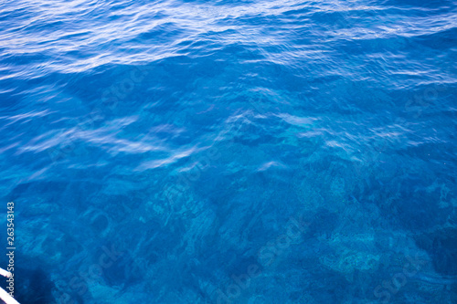 Foto auf Acrylglas Bestsellers Beautiful clear blue sea next to Bisevo island, Croatia