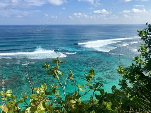 In de dag Canarische Eilanden Waves in Green Ball beach. Bali, Indonesia.