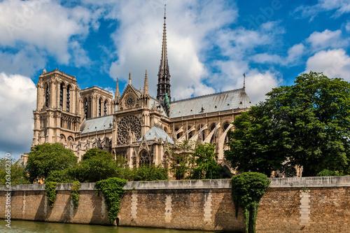 Obraz na płótnie Notre-Dame cathedral under beautiful sky in Paris.