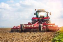 Agriculteur Labourant Ses Champs