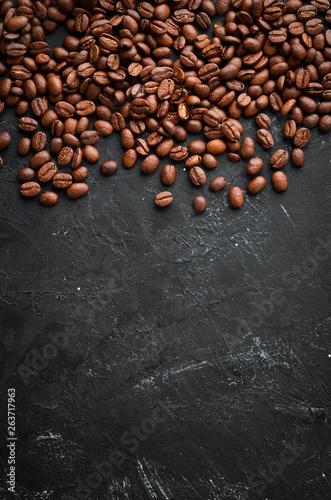 Café en grains Coffee beans. Top view. Free space for your text.