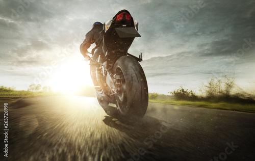 fototapeta na ścianę Motorrad auf einer Landstraße