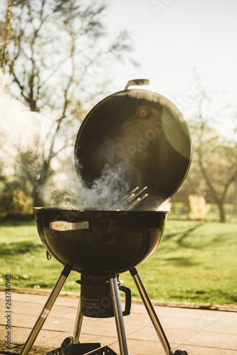 Deurstickers Grill / Barbecue Smoken