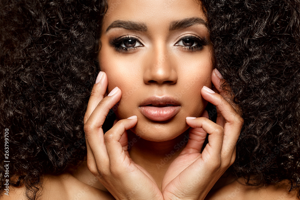 Fototapety, obrazy: Beauty black skin woman African Ethnic female face. Young african american model with long afro hair. Lux model.