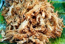 Crispy Fried Crabs At Thai Str...
