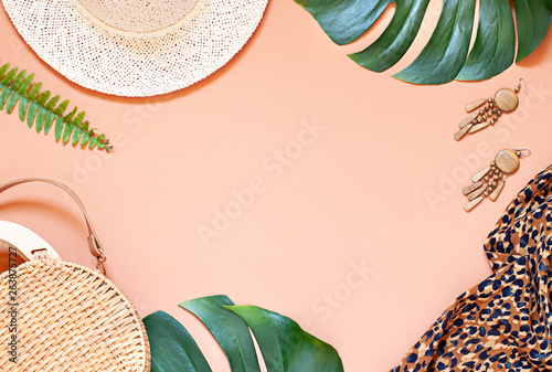 Fotografia, Obraz  Fashion vacation concept tropical summer flat lay