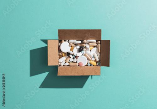 Fotografia  Prescription medicines and drug abuse