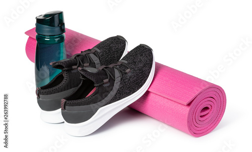 Obraz Sport shoes and yoga mat - fototapety do salonu
