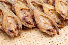 Making Dried Fish / Dry Salted...