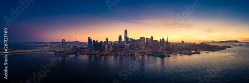 Photo  Aerial View of San Francisco Skyline with City Lights