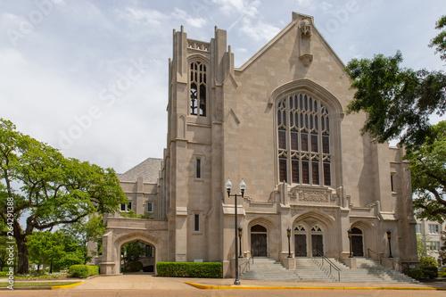 Canvastavla Jackson, MS / USA - April 23, 2019: First Baptist Church of Jackson, MS, located