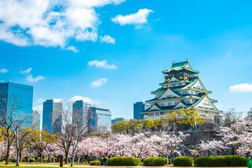 春の大阪城