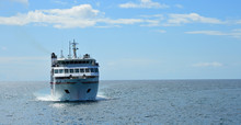 Canary Island Ferry Sails Fro...