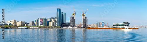 Photo Baku, Azerbaijan - April 13, 2019: Panoramic sunny summer view of Baku, capital city of Azerbaijan