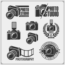Set Of Photo Studio And Photo Scool Emblems, Labels And Design Elements. Vector Monochrome Illustration.