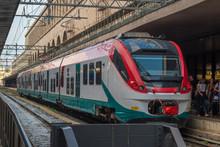 Train Stoped At Roma Termini T...