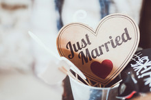 Coeur En Papier Kraft Avec Inscription Just Married