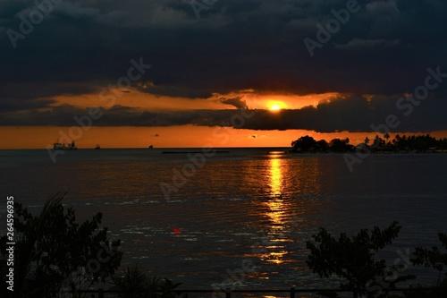 Foto op Aluminium Palermo sunset on losari beach in Makassar