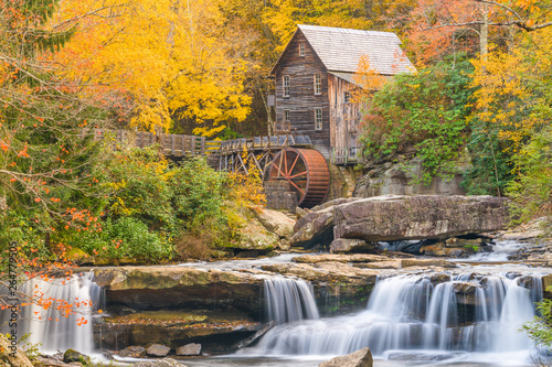 Valokuvatapetti Babcock State Park, West Virginia, USA at Glade Creek Grist Mill