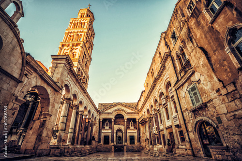 Foto auf Gartenposter Altes Gebaude The Diocletian's Palace in Split, Croatia - Famous Diocletian Palace is ancient palace built for Emperor Diocletian in historic center of Split, Croatia.