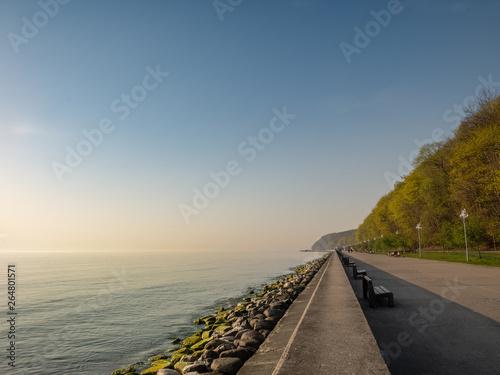 Fotografía The seaside boulevard in Gdynia in the morning