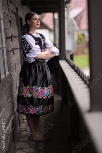 Slovak folklore. Slovakian folklore girl. Billede på lærred