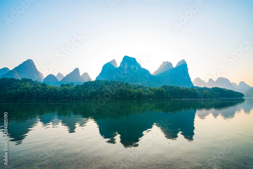 Photo Stands Guilin Landscape jiatianxia guilin, lijiang river in the morning.The landscape of near guilin, yangshuo county, guangxi, China