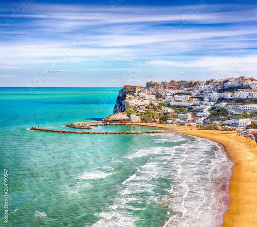 Poster de jardin Europe Méditérranéenne Picturesque Peschici with wide sandy beach in Puglia, adriatic coast of Italy.