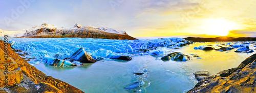Fotografie, Obraz  View of Svinafellsjokull Glacier at the Vatnajokull National Park in Iceland at sunset